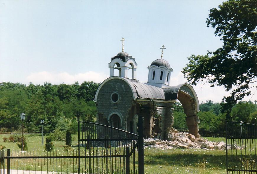 Hashim Thaci, zburzona cerkiew